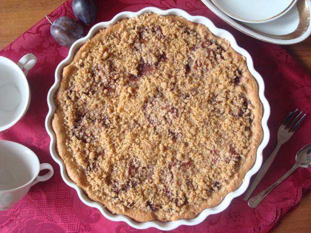 Plum and Poppy Seed Yeast Cake | Švestkový koláč s makovou náplní a drobenkou - www-vune-vanilky.cz