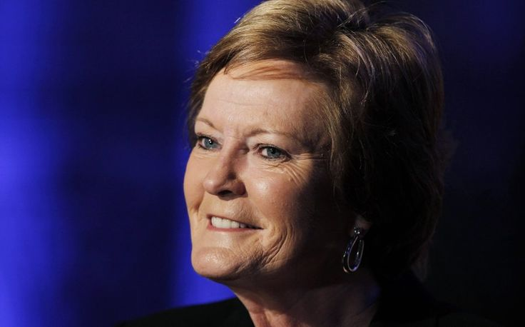 <br /><br />WASHINGTON — Pat Summitt won many accolades during her legendary coaching career at the University of Tennessee, but she won't be receiving the Congressional Gold Medal anytime soon.<br />