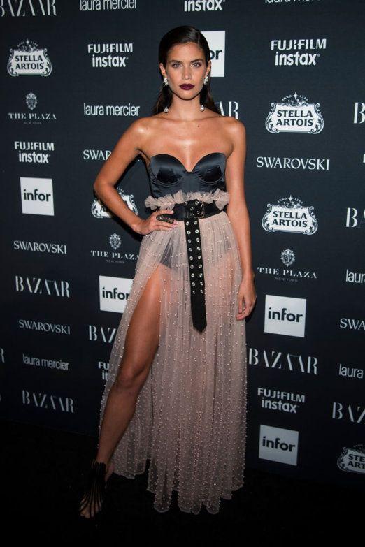Aprovechando su semana de la moda, Nueva York convierte el hotel Plaza en el principal escenario para una de las citas obligatorias de estilo: Harper's Bazaar Icons. Con Carine Roitfeld como...