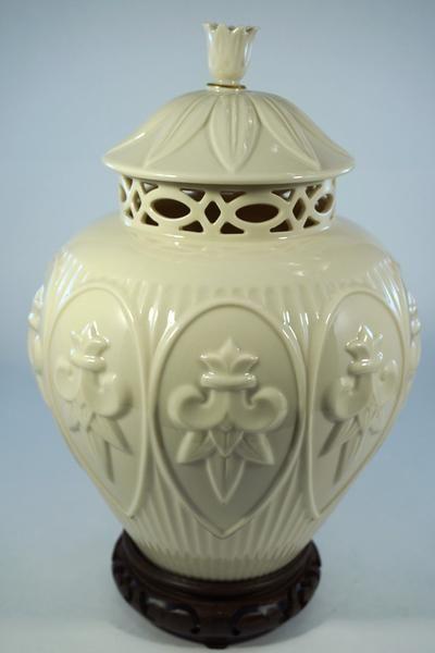 257 Best Ginger Jars Images On Pinterest Antique Pottery