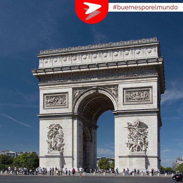 El Arco del Triunfo representa las victorias del ejército francés bajo las órdenes de Napoleón. Junto a la Torre Eiffel es uno de los monumentos más representativos de París, y no podemos desmerecer tampoco la vista desde la parte superior del mismo! #Buemesporelmundo #París