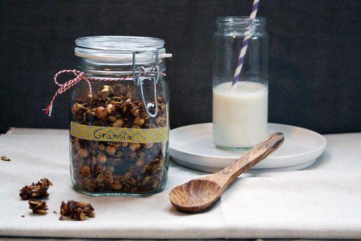 Culy Homemade: chunky granola met havervlokken en hazelnoten - Culy.nl