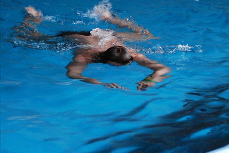Pływanie wymaga niewątpliwe dużego wysiłku i mnóstwa energii. Umiejętność prawidłowego oddychania podczas uprawiania tej dyscypliny sportu – czy to na zawodach, czy rekreacyjnie – jest niezwykle istotna.