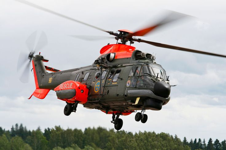 One of the air assets deployed to the 2014 Forest Fire in Central Sweden is this Swedish Armed Forces AS332 Super Puma no. 90, called HKP10 in Swedish service (Image © Marcel Burger)
