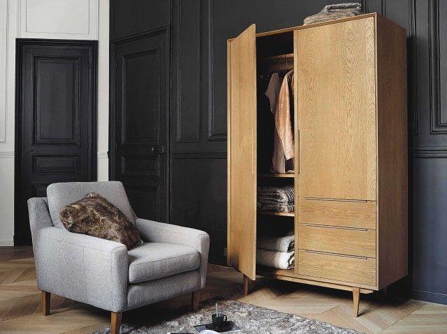 Avec sa collection Portobello, Maisons du Mondepropose une relecture des meubles des années 60. Fabriqués en chêne massif teinté couleur miel, ces meubles