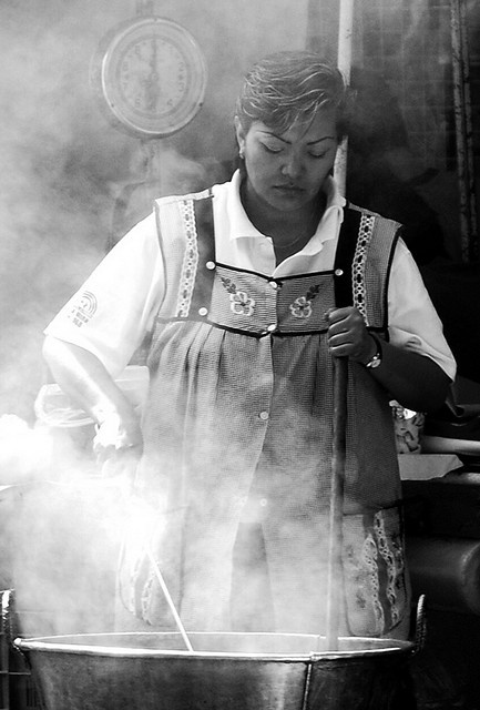 To cook.    Cooking is an art.  Mexico City