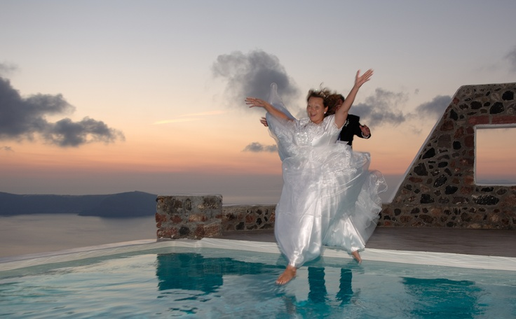 Here at Astra Suites Hotel in Santorini, the breathtaking scenery alone will make your Santorini wedding once in a lifetime, unforgettable, and unique!