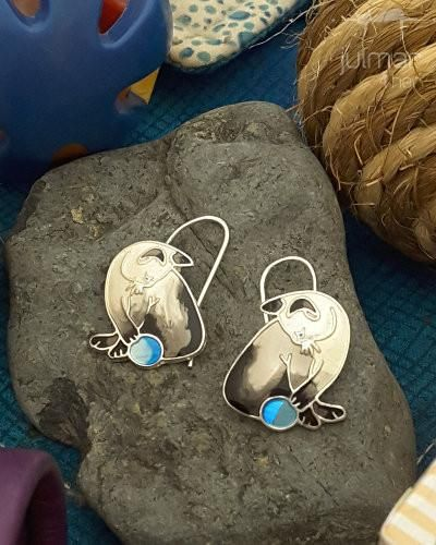 Designed exclusively by Julia Pinkham are these Siamese cat shaped silver plated earrings.