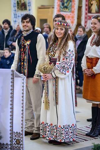 Ukrainian Wedding...  Looks sortof like my own baba and gido's wedding :)
