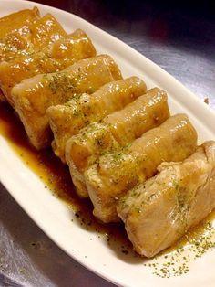 皆さんは『凍らせ豆腐』をご存知ですか?凍らせ豆腐とは、木綿豆腐を一旦凍らせて解凍した、高野豆腐みたいなお豆腐です。まるで鶏肉のような食感で、お肉の代わりに使えばダイエットの強い味方になってくれます。今回は、そんなヘルシー食材『凍らせ豆腐』を使った絶品レシピをご紹介します。                                                                                                                                                                                 もっと見る
