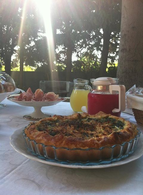 Each morning guests can enjoy a delicious breakfast. Everything is  prepared using  biological and local ingredients, many of which are our own produce.