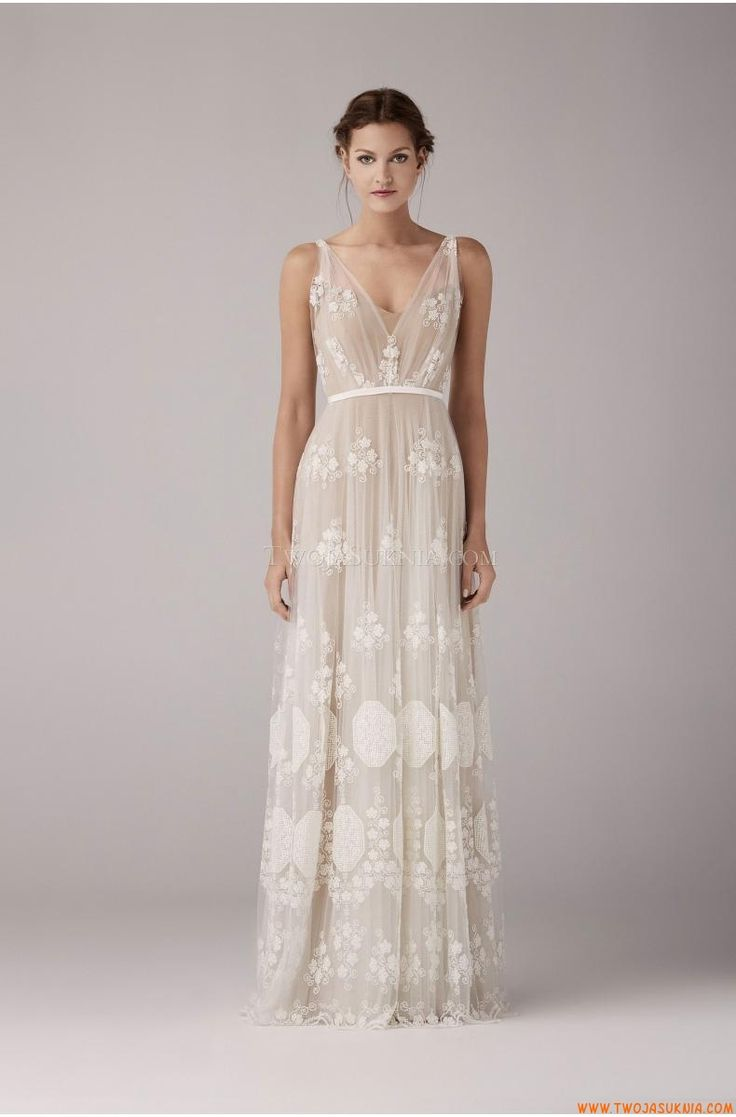 wedding dress for a bohemian style wedding... wonder if i could pull this off or not