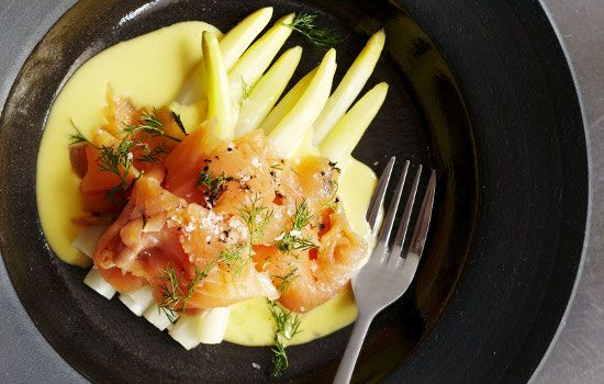 For a sneaky weekday brunch, I go to Hemelhuijs ($$), where chef Jacques Erasmus combines seasonal and classic ingredients like salmon with daikon radish. The freshly squeezed fruit juices served in tall jars are a must.