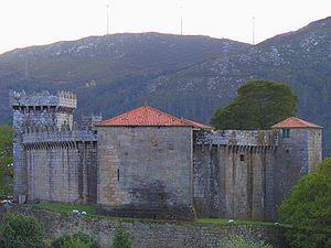 VIMIANZO - Castelo de Vimianzo. Open, but in winter?