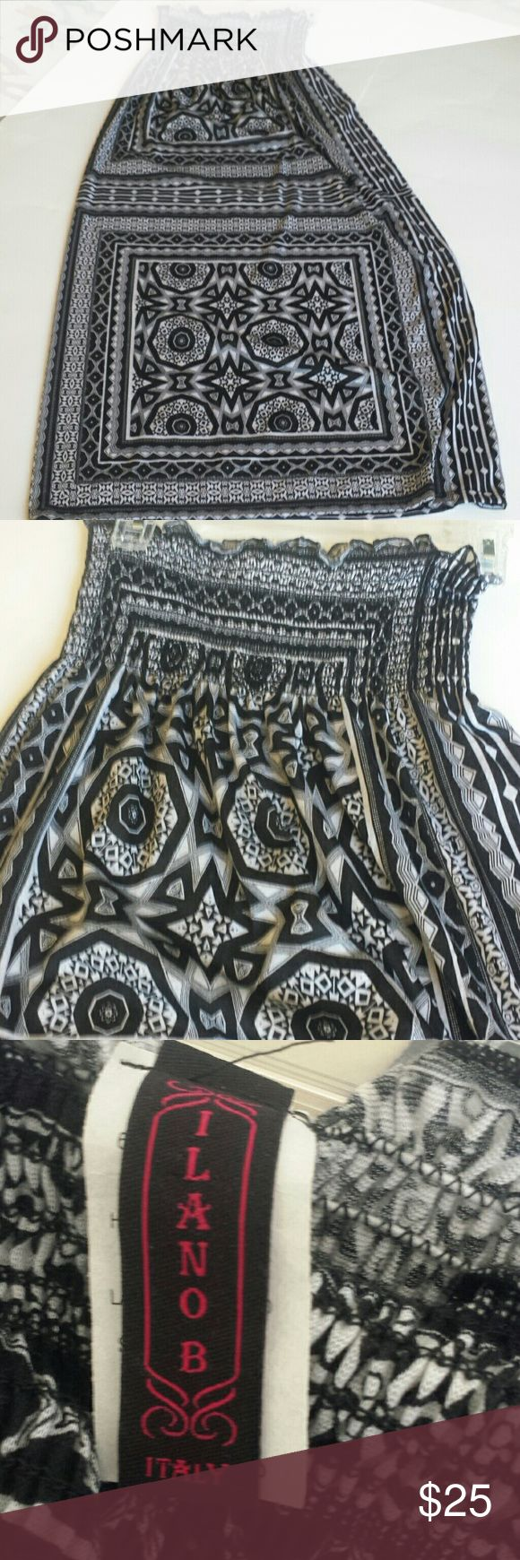 Ilanob Strapless dress black white Xs Aztec Gorgeous strapless sundress made in Italy size extra small polyester rayon spandex smocked top Aztec print black and white ilanob Dresses Maxi