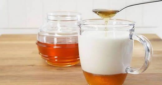 La potente combinazione fra latte di mandorle e miele offre moltissimi benefici per la nostra [Leggi Tutto...]