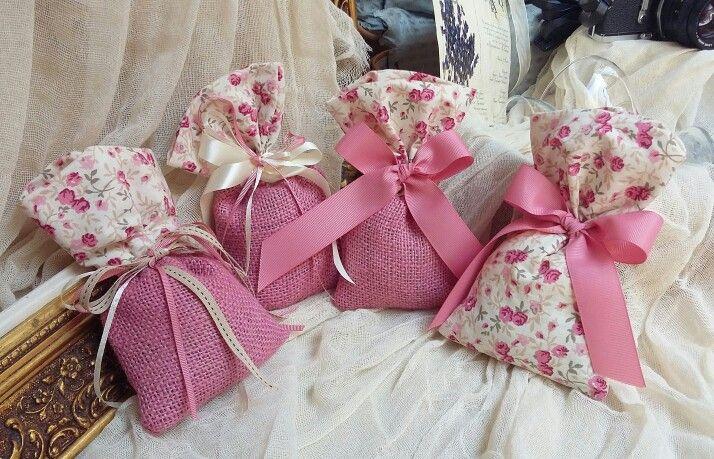 Μπομπονιέρες βάπτισης ,πουγκί φλοραλ vintage καλέστε  στο 210-5157506 www.valentina-christina.gr