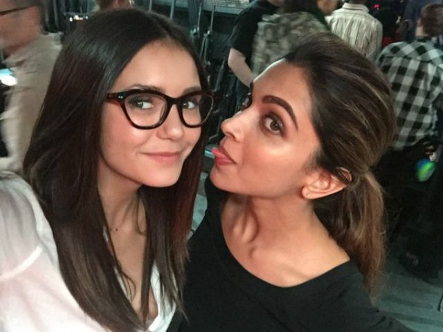 http://www.bollywoodpatrika.in/deepikas-selfie-with-nina-dobrev-at-the-sets/