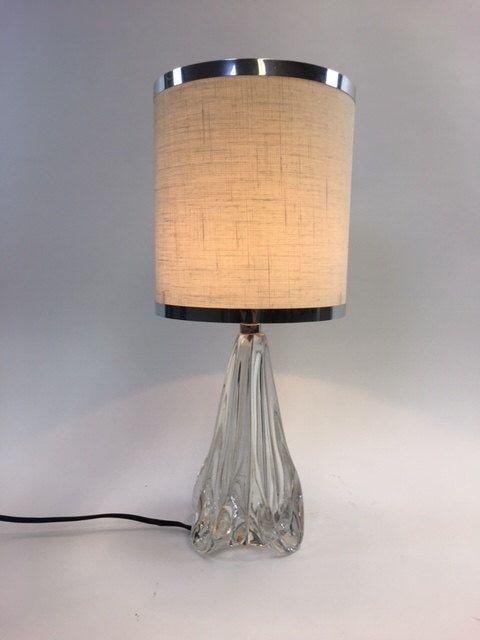 Lampada da tavolo di cristallo di Jean Besnard art déco. di Venividivintageshop su Etsy https://www.etsy.com/it/listing/508285507/lampada-da-tavolo-di-cristallo-di-jean