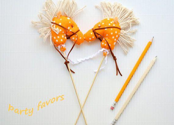 Set of 10 party favors/mini horses favors/stick horse by penhands