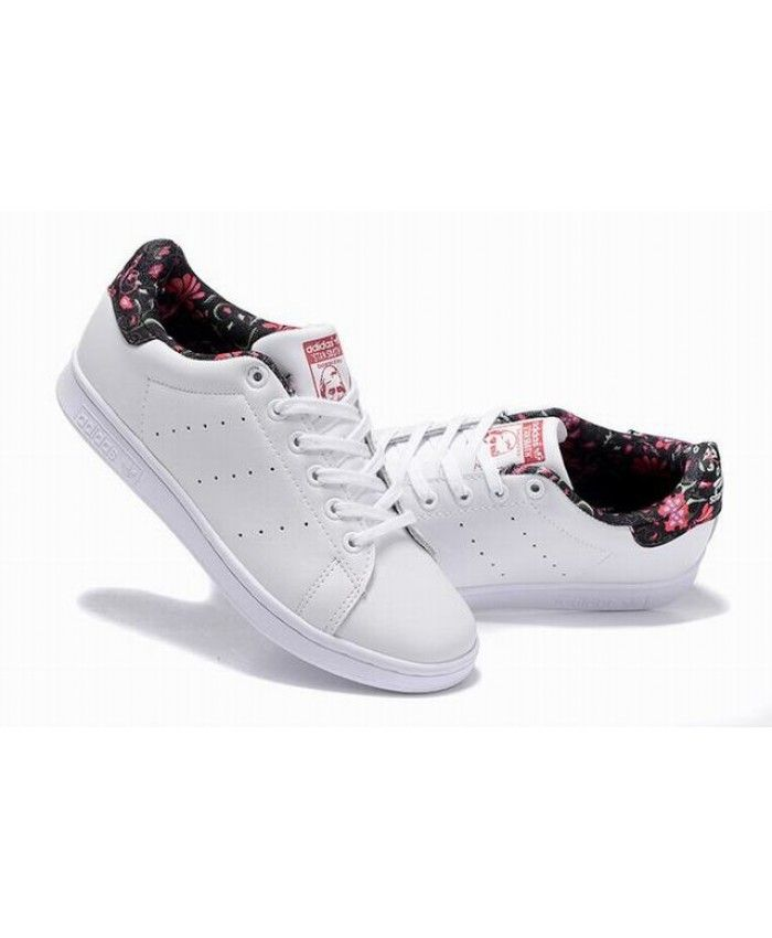 new product 0c92c 77052 Adidas Stan Smith Junior White Flower Trainers