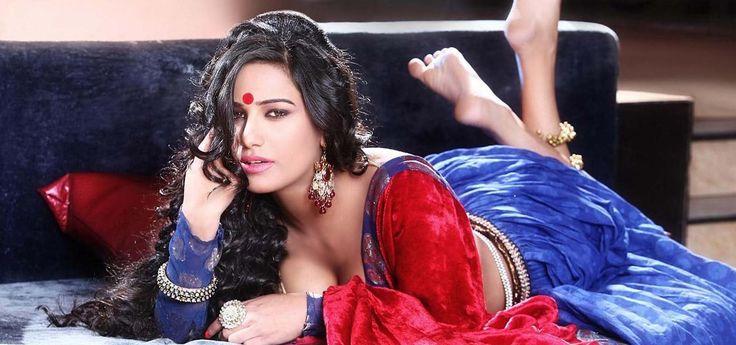 Poonam Pandey turns 'Jalebi Bai' on small screen : Tv Talks