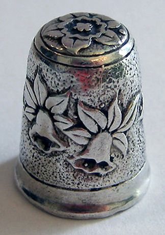 RP: Sterling Silver Thimble - English with Daffodils - ebay.com ♡