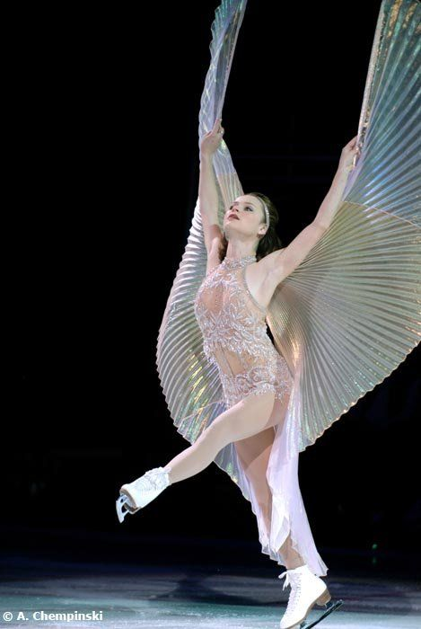 Sasha Cohen (USA) performing during Stars on Ice, 2009