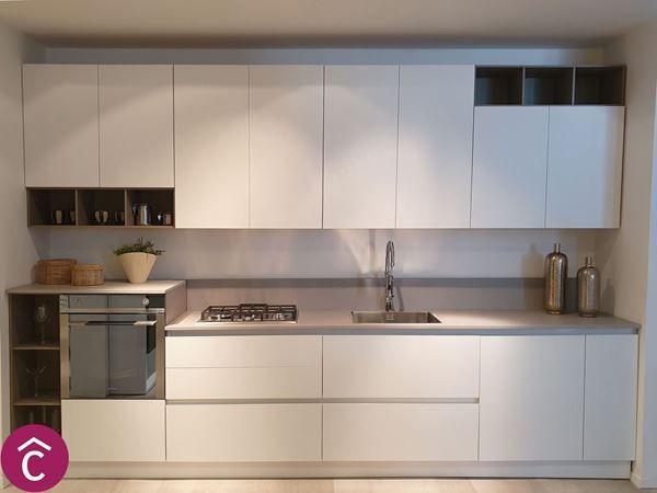 Cucina Zen Moderna Con Sviluppo Lineare Con Lunghezza 3 60m Ante Con Gola E Top In Gres Dekto Cucina Moderna Arredo Interni Cucina Arredamento Moderno Cucina