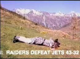 En1968 se jugó un emocionante partido de fútbol americano entre Oakland Raiders y New York Jets. Hasta el último minuto, los Jets iban ganando 32-29, pero en ese lapso final los Raiders convirtieron dos touchdowns, ganando finalmente 43-32. Sin embargo, la audiencia televisiva no pudo disfrutar de esta emoción, pues el canal NBC había interrumpido la transmisión del partido -que se había extendido más tiempo del presupuestado- para emitir Heidi