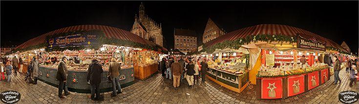 Christkindlesmarkt Nürnberg Panorama Bilder - Hauptmarkt bei Nacht - p047