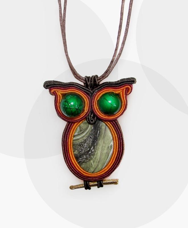soutache owl2 http://manufakturapomyslu.com/shop/wisorek-sutasz-sowka-brazowa/