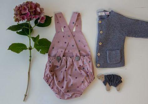 Kostenlose Nähanleitung für eine Baby Latzhose | Nähmuster | Pinterest