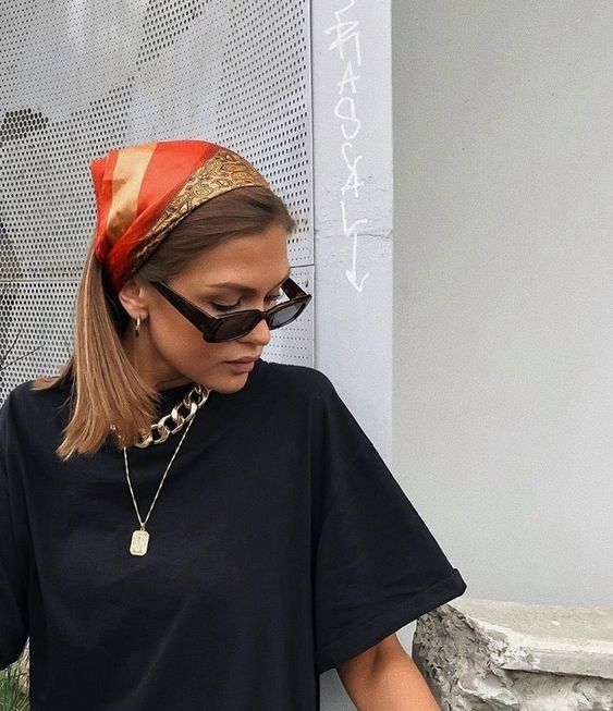 New fashion art clothes ideas Bandana Hairstyles, Cute Hairstyles, Cooler Style, Head Scarf Styles, How To Wear Scarves, Silk Scarves, Protective Styles, Aesthetic Clothes, Aesthetic Boy