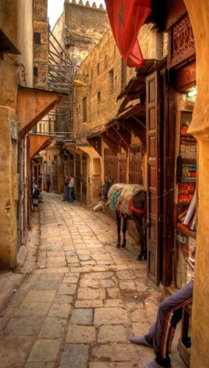 Strolls in the amazing streets of Essaouira, Morocco. I feel like a child in a sweet shop! #MVGlamGetaway