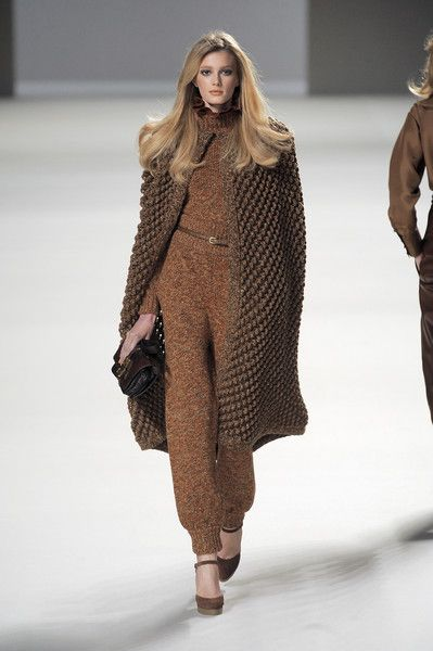 Chloé at Paris Fashion Week Fall 2010 - Runway Photos