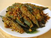 One of the best vegetarian recipe I have had in a long time is a stuffed okra with its origins in Gujarat. Those who hate okra will definitely fall in love with it when they try Bhindi Sambhariya.