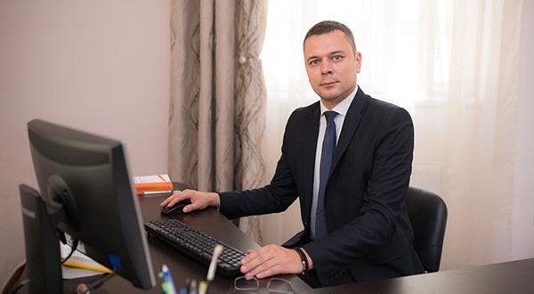 """Vlad Haidau: """"Un avocat de succes trebuie să își gestioneze foarte atent fiecare client în parte""""   Arad 24 - Știri conectate la realitate"""