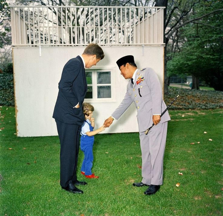 36 Stunning Color Photos Of The Kennedy White House  The president of Indonesia greeting Caroline Kennedy at her playhouse.