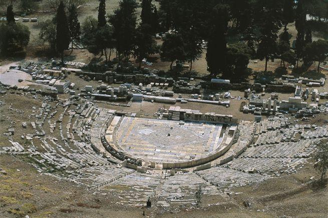 NOME:Teatro di Dioniso DATAZIONE: VI-V secolo a.C. MATERIALE E TECNICA: Struttura in pietra LUOGO DI CONSERVAZIONE: Atene pendici meridionali dell'acropoli.