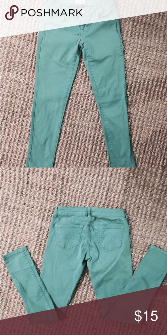 """Aéropostale """"Lola"""" skinny jeans Aéropostale """"Lola"""" skinny jeans. Turquoise/blue-green. Very comfortable and stretchy. These fit more like a size 3! You can dress it up or dress it down. Hate to get rid of them but they're too small for me now!! Make an offer☺️ Aeropostale Jeans"""