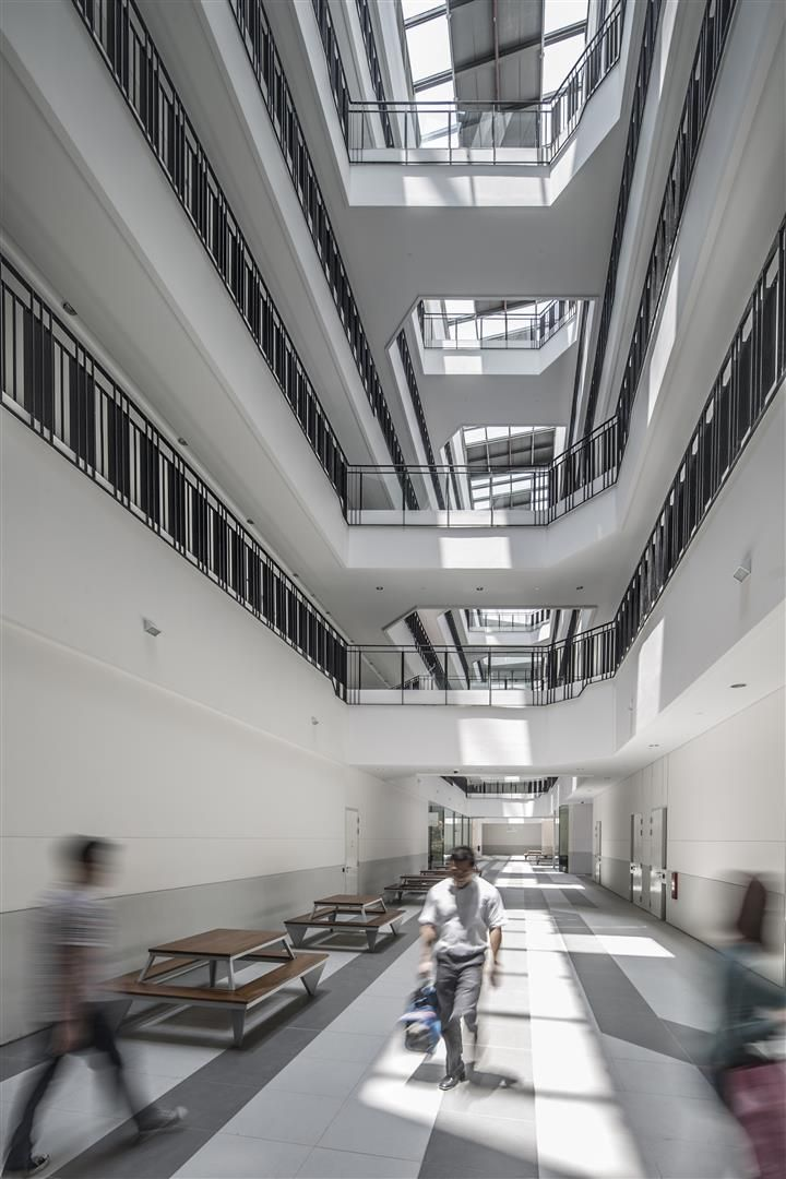 Atrium Void At Singapore Institute Of Technology Polytechnic By DP Design