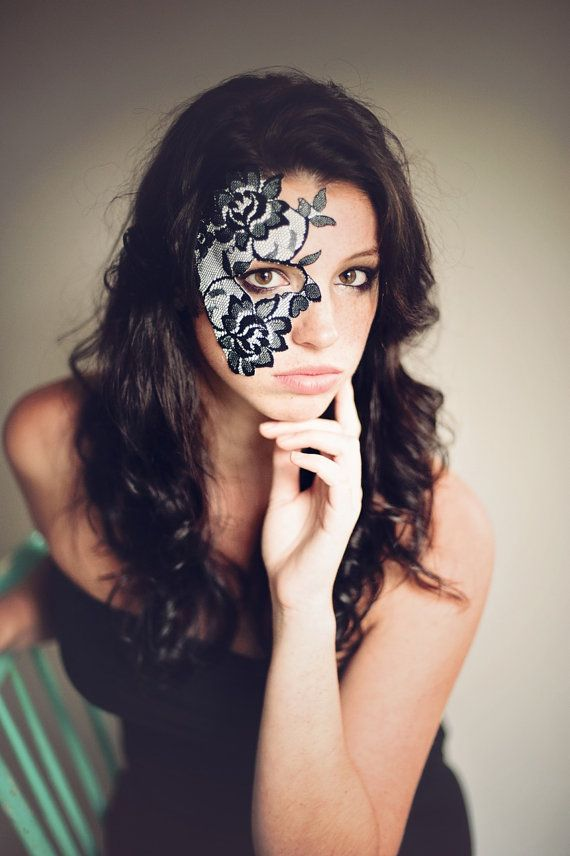 strapless halloween mask elegant black white lace womens costume dramatic half face eye - Black Eye Mask Halloween