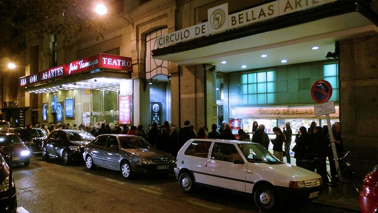6 de febrero de 2012: El Teatro Bellas Artes, de Madrid, se queda muy pequeño para acoger a los asistentes a un acto de homenaje a Baltasar Garzón