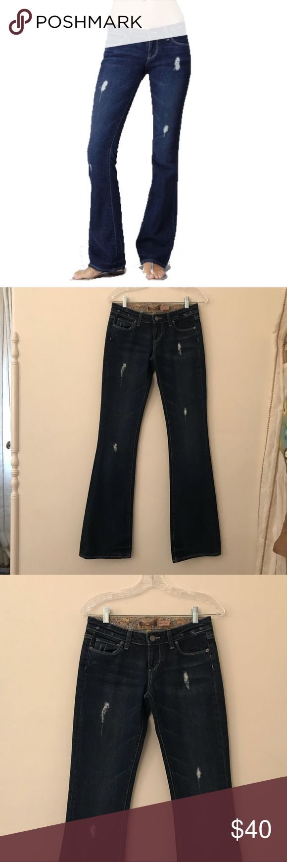 """Paige Premium Denim Laurel Canyon Jeans Paige Premium Denim Laurel Canyon Jeans in Shipwreck. The zipper was repaired so it is not the manufactory zipper. Jeans are in perfect condition. 98% Cotton 2% Stretch. 7.5"""" Rise. 34"""" Inseam. Paige Jeans Jeans Flare & Wide Leg"""