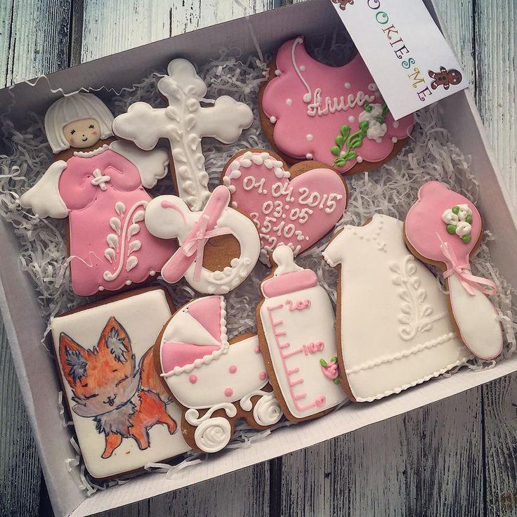 Наборчик на крещение!Cookie #cookiesme #cookies#decoratedcookies #customcookies #kuki#gallets#angel#stroller#имбирныепряники #имбирныепряникиназаказ #имбирныепряникиназаказмосква#печенье #пряники #расписныепряники #подарокнакрещение#крещение#сладкийподарок #коляска#бутылочка#крестик#пчелка#пчелкамайя#малыш#подарокмалышке#bugaboo#royalicing