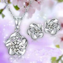 Velkoobchod New 2014 Jarní sezóna Rhodium postříbřená zirkony Plum Flower náhrdelník a náušnice Svatební Ženy módní šperky (Čína (pevninská část))