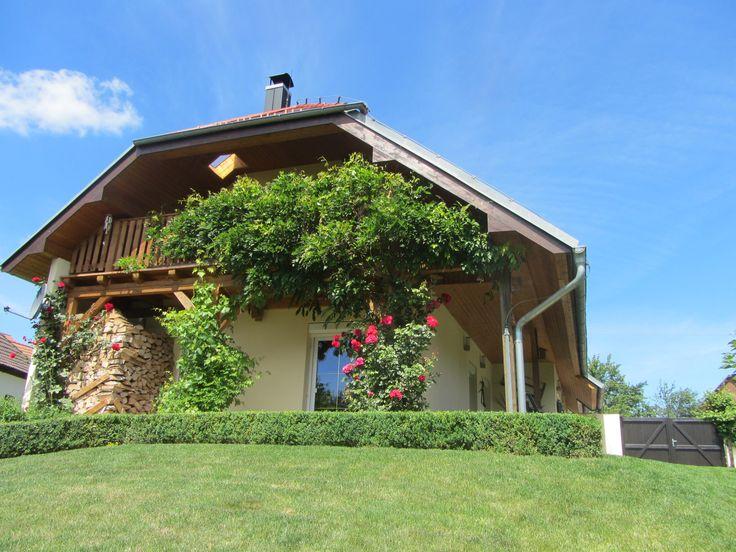 Fantastische, luxe villa, vrije ligging, vrij uitzicht, zwembad, boomgaard, garage te koop, Zuid-Bohemen, Tsjechie.