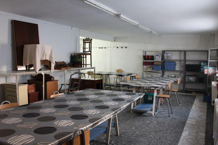 Aula de trabajo para las clases de restauración y reciclaje de muebles #cursos #madrid #reciclaje #restauración   #dorado #barnizado #escuela #master #online #pinturadecorativa