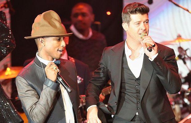 """Робин Тик (Robin Thicke) и Фарел Уилямс (Pharrell Williams) бяха признати за виновни за музикално плагиатство във вторник от американски съд. Според съдебните заседатели те са откраднали """"Got to give it up"""" на Марвин Гейв и са я употребили в хита си """"Blurred Lines"""". Решението означава, че двамата осъдени ще трябва да дадат 7,4 милиона …"""